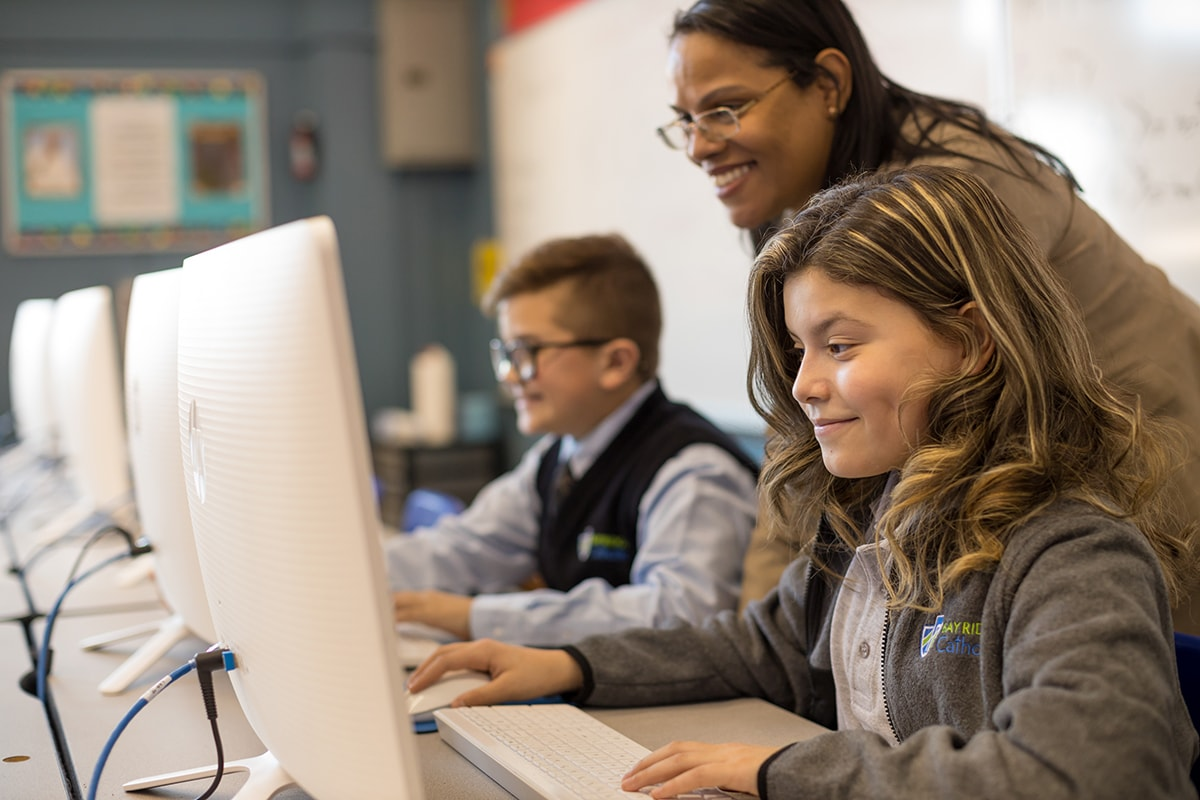 bay ridge catholic students in computer lab